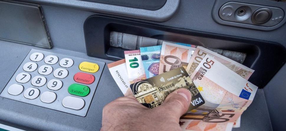 Marseille : un distributeur sortait le double de l'argent !