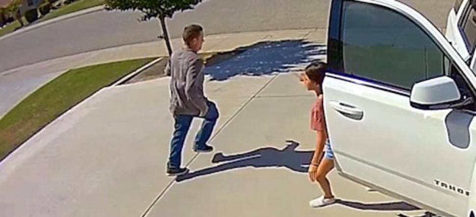 À 10 ans elle fait fuir un voleur ! [VIDEO]
