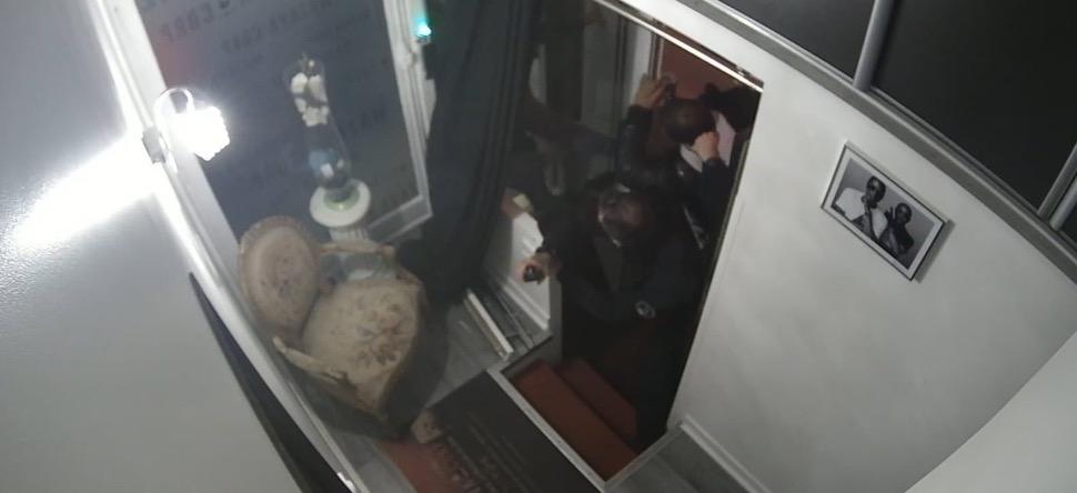 L'agression policière contre un producteur de musique parisien pour...