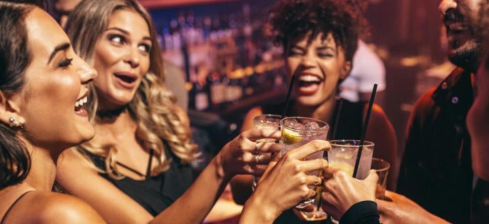Covid-19 : les soirées du Nouvel an, interdites ?